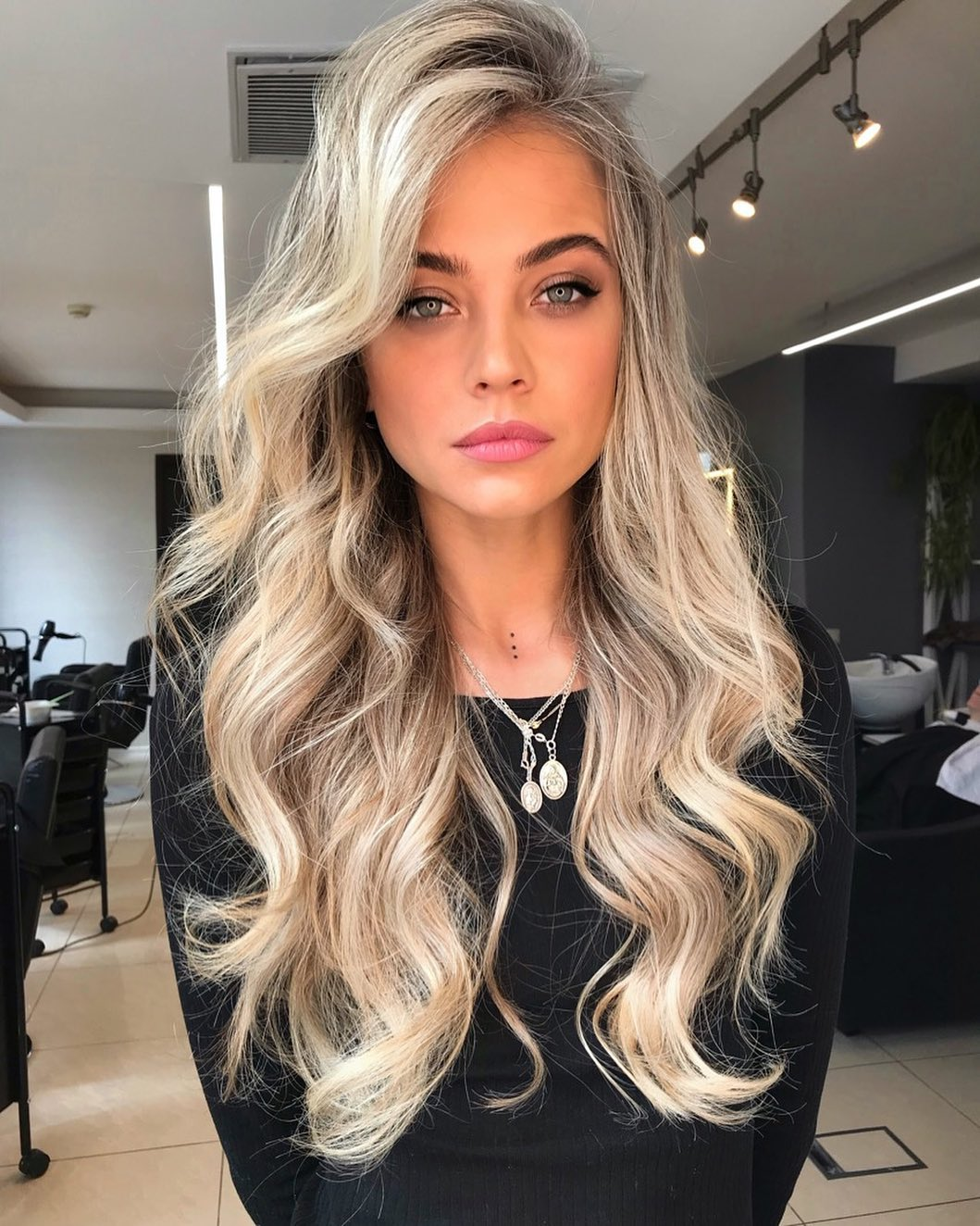 Hairstyles with long hair on square faces
